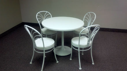 Lunch Room Table And Chairs   White